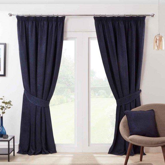 Cómo acertar con las cortinas de una habitación