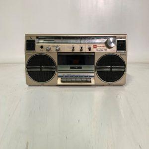 vintage cassette radio